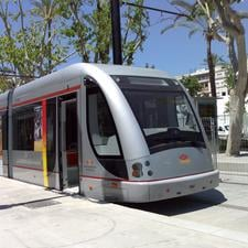 CAF Urbos 3 light rail vehicle runs in Seville – it can store energy from overhead wires and then run on the charge for 1.5km. 