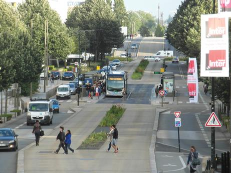 Do passengers prefer BRT or LRT?
