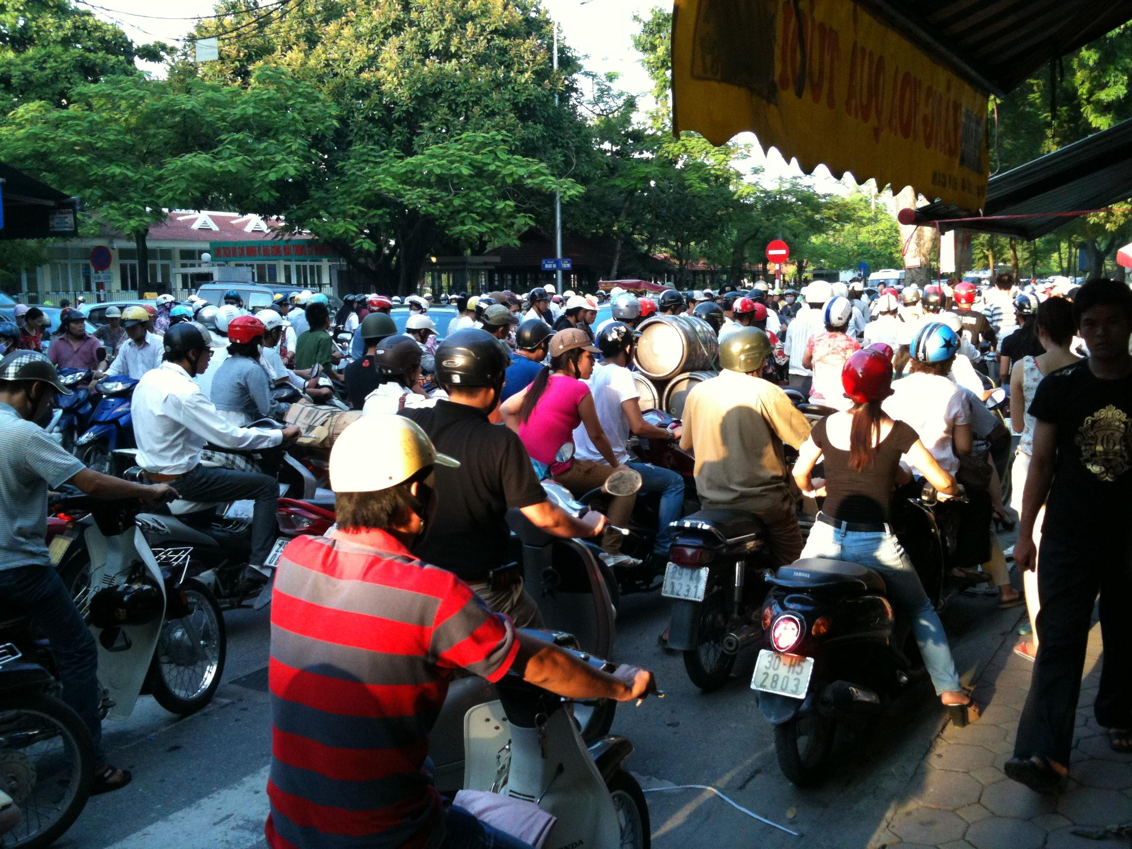 Falling bus use spurs concern over taxi apps and motorbike ban anxiety in Vietnam