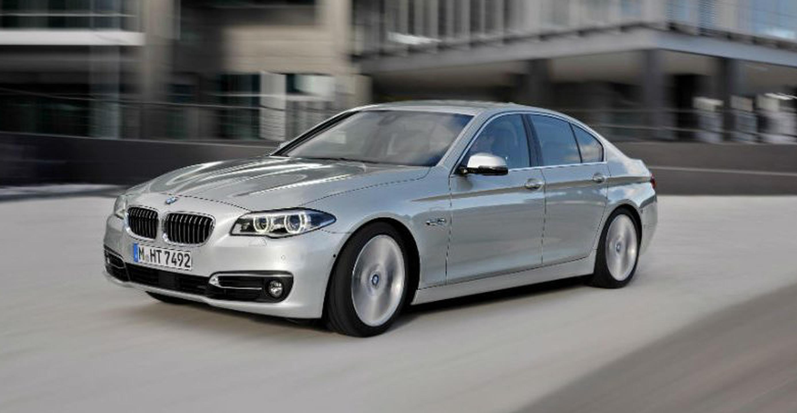 INRIX On-Street Parking offered in BMW 5 series