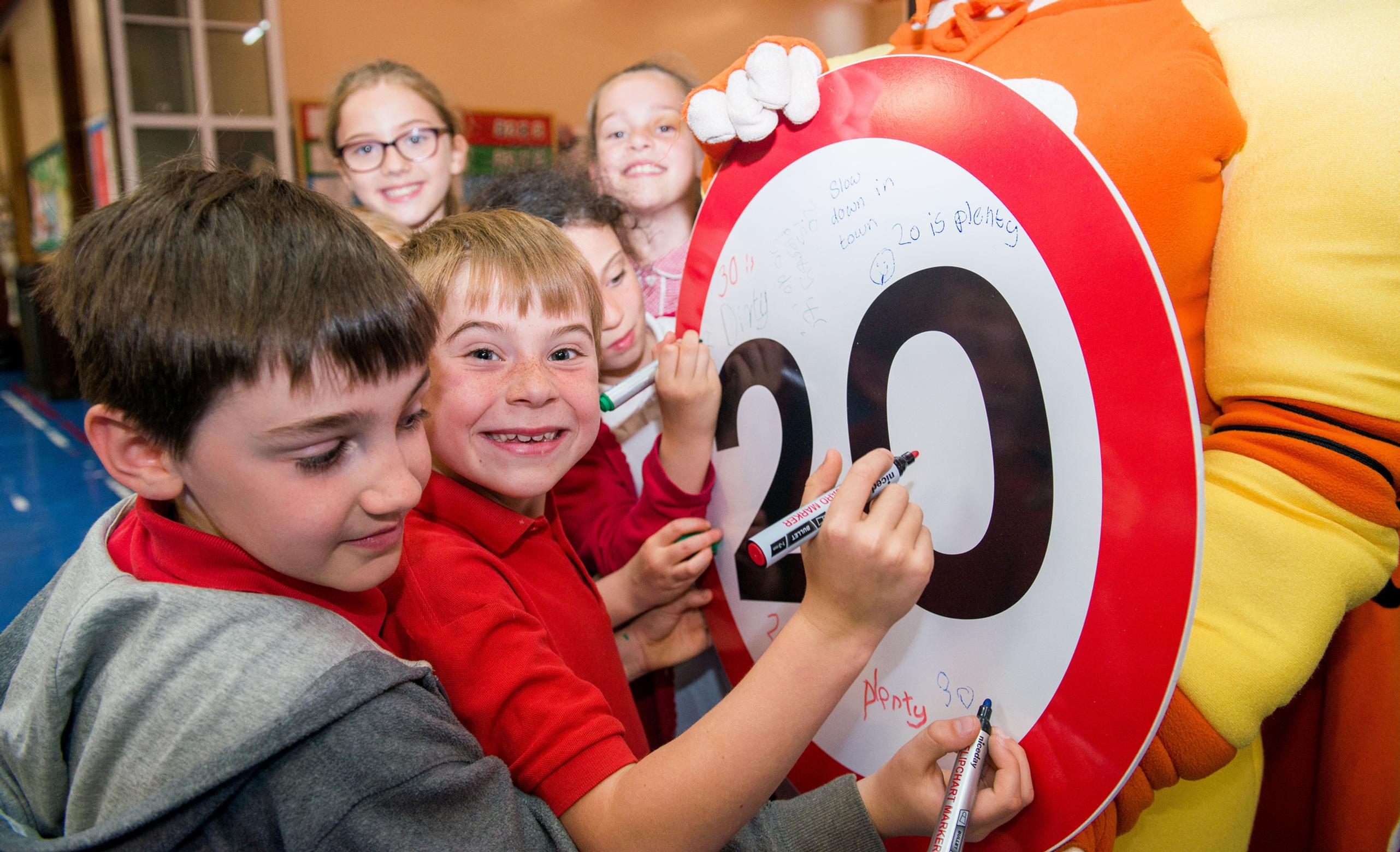 Edinburgh school children promote 20mph culture