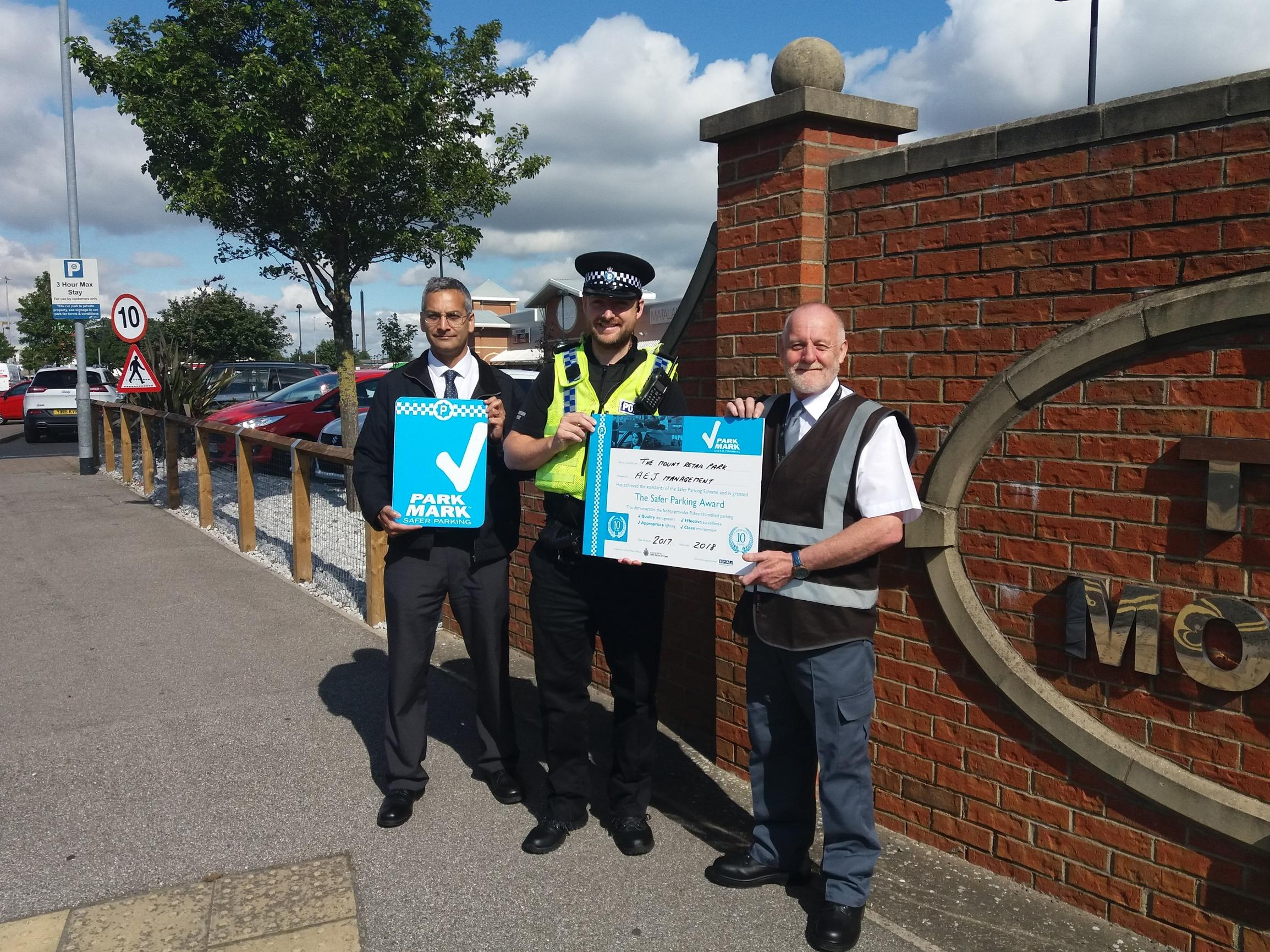 Marc Dias, Humberside Police Safer Parking assessor, Inspector Mark Peasgood from Humberside Local Policing Unit 