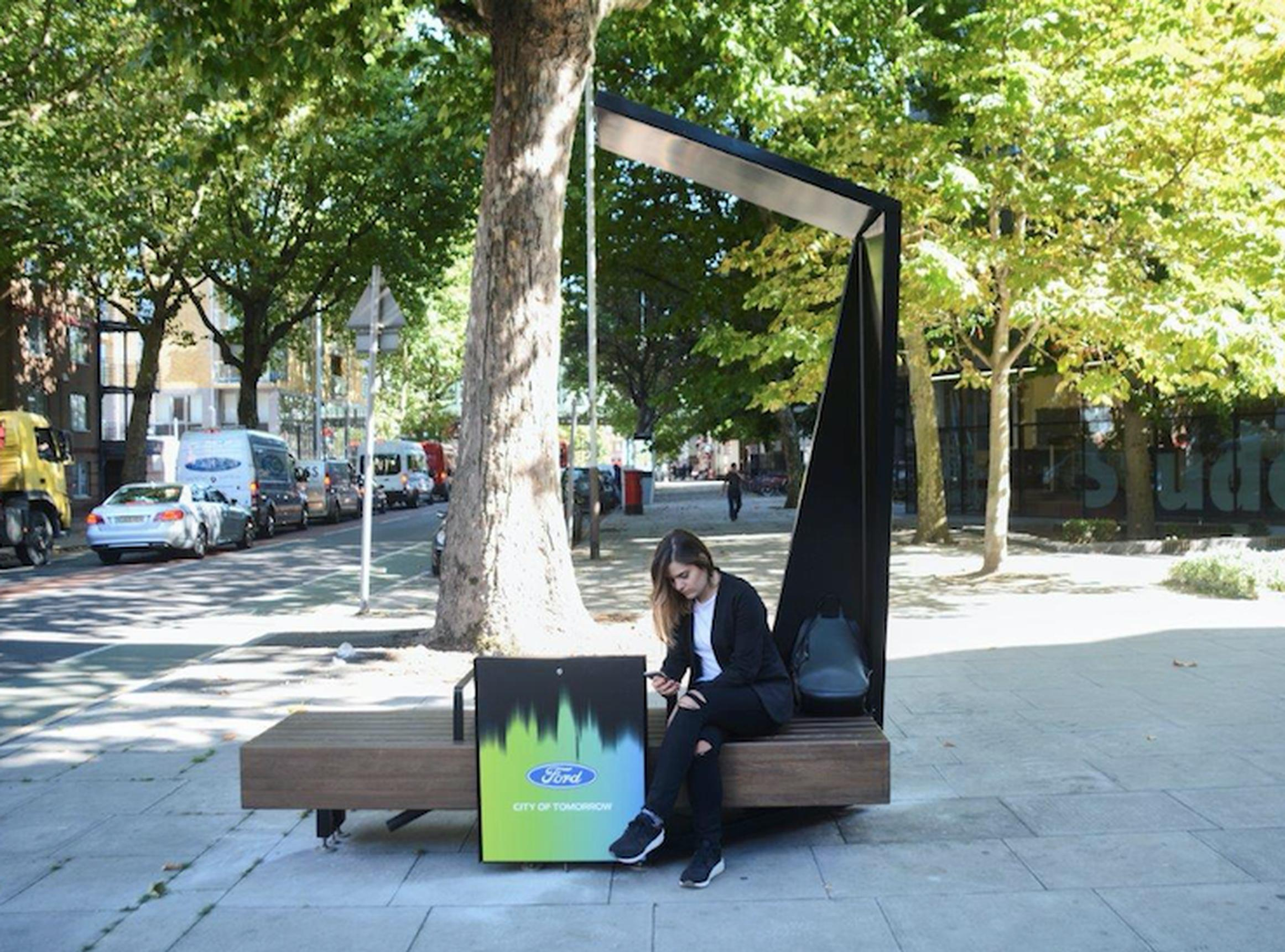 20 Ford Smart Benches will be installed at various locations in London