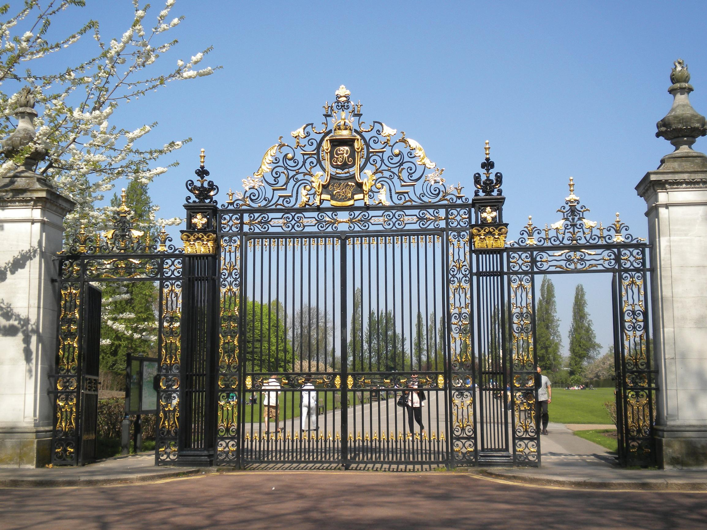 Regent's Park: gate closures to proceed?