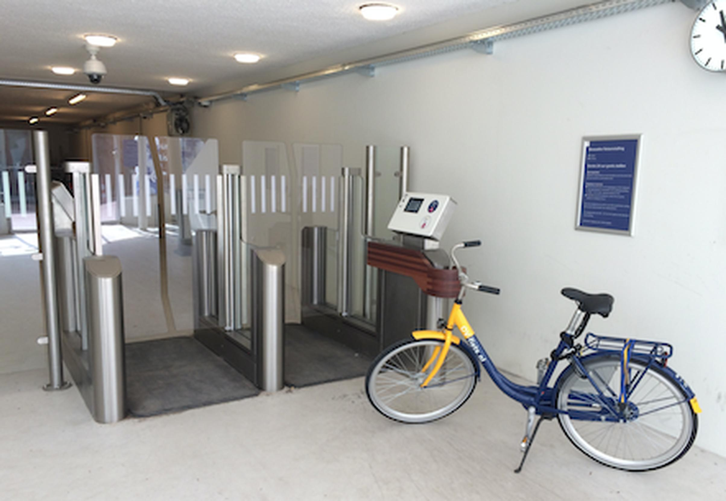 Dutch rail stations to get gate-controlled bike parking