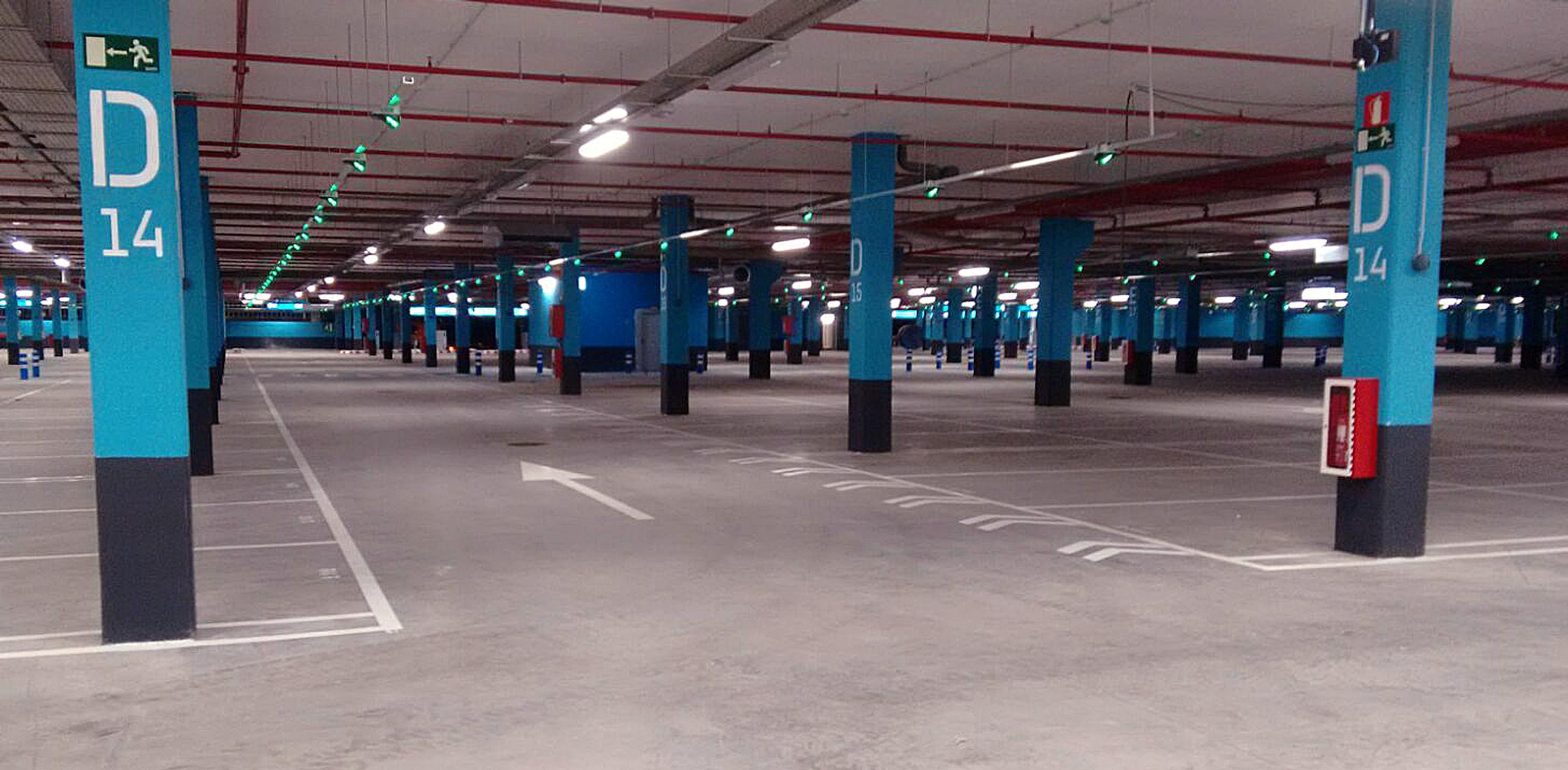 Parking at the Los Alisios shopping mall in Gran Canaria