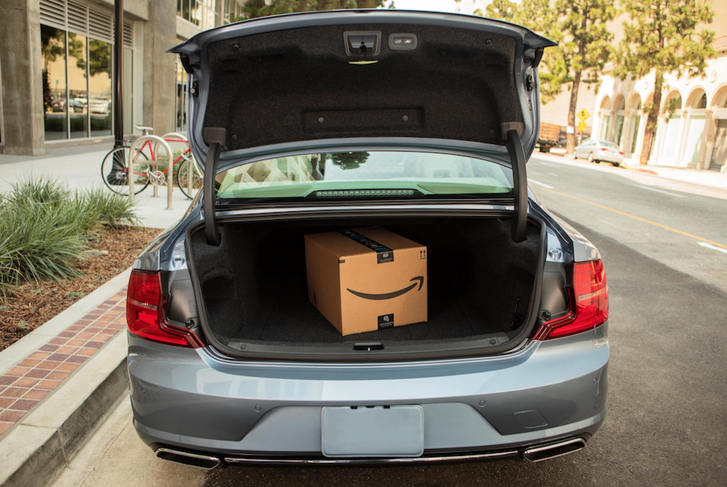 Volvo Cars and Amazon offer delivery-to-car in USA