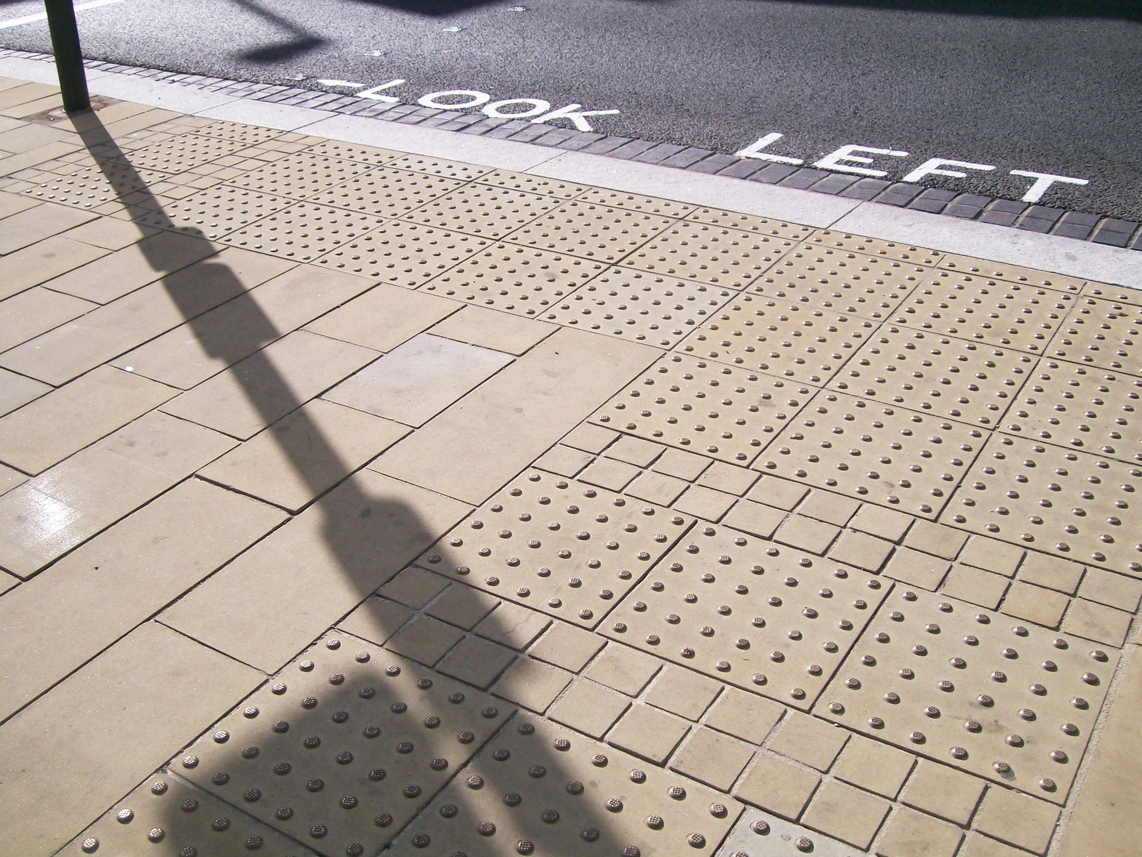 DfT reviews guidance on tactile paving