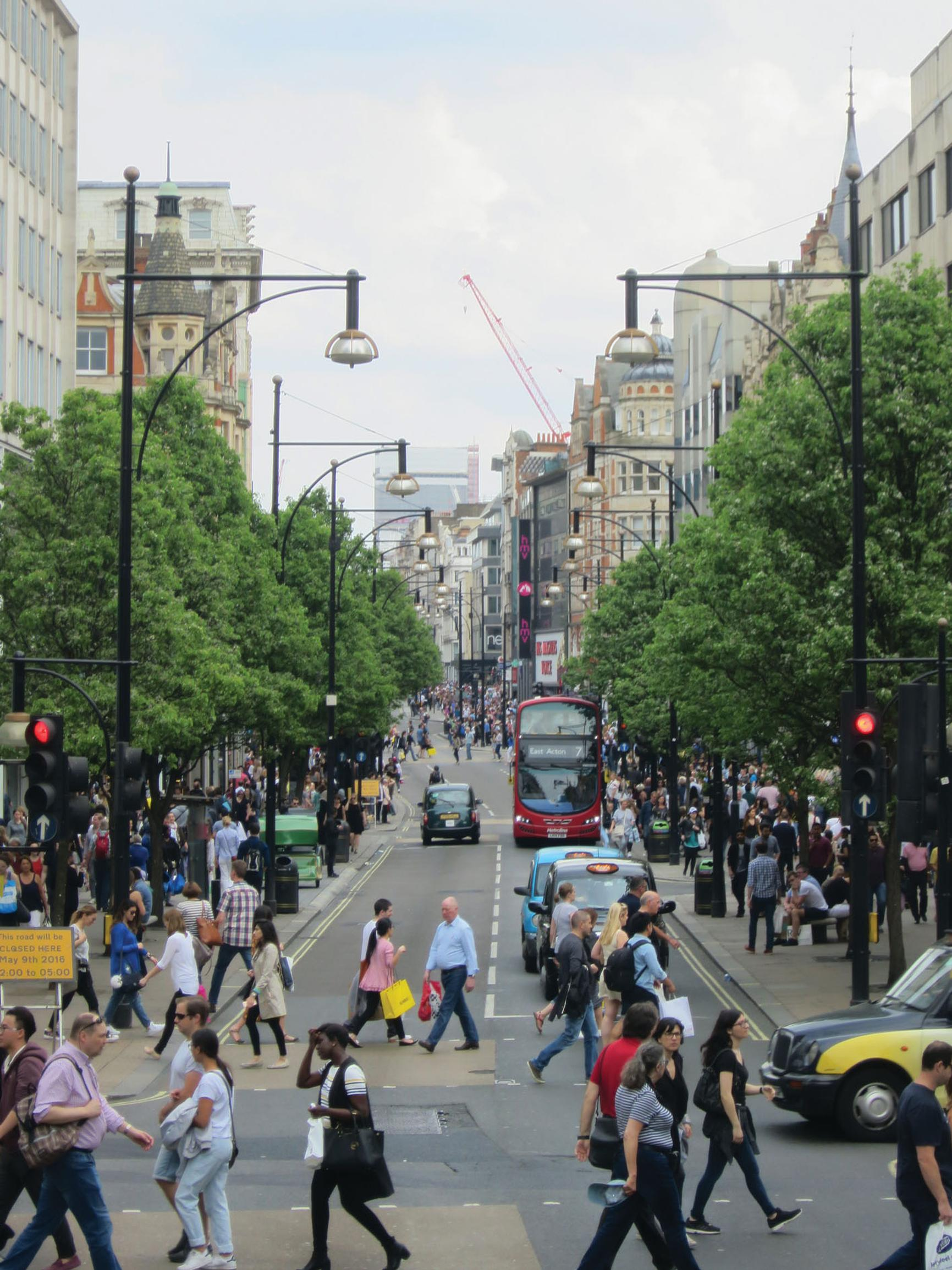 Oxford Street: more space for pedestrians