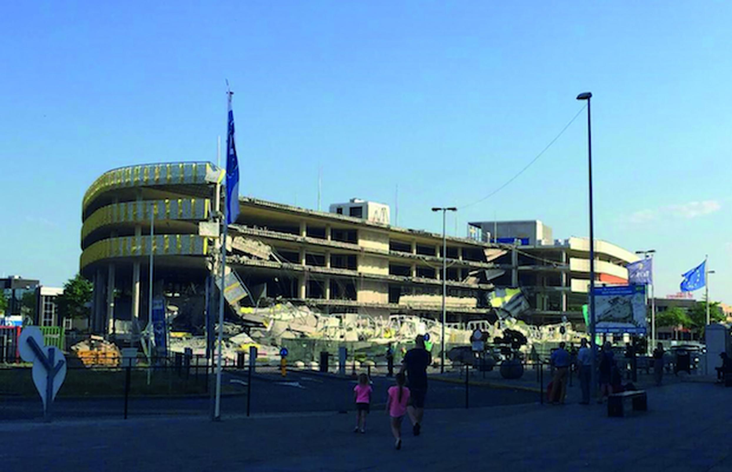 The new Eindhoven Airport car park collapsed while it was under construction