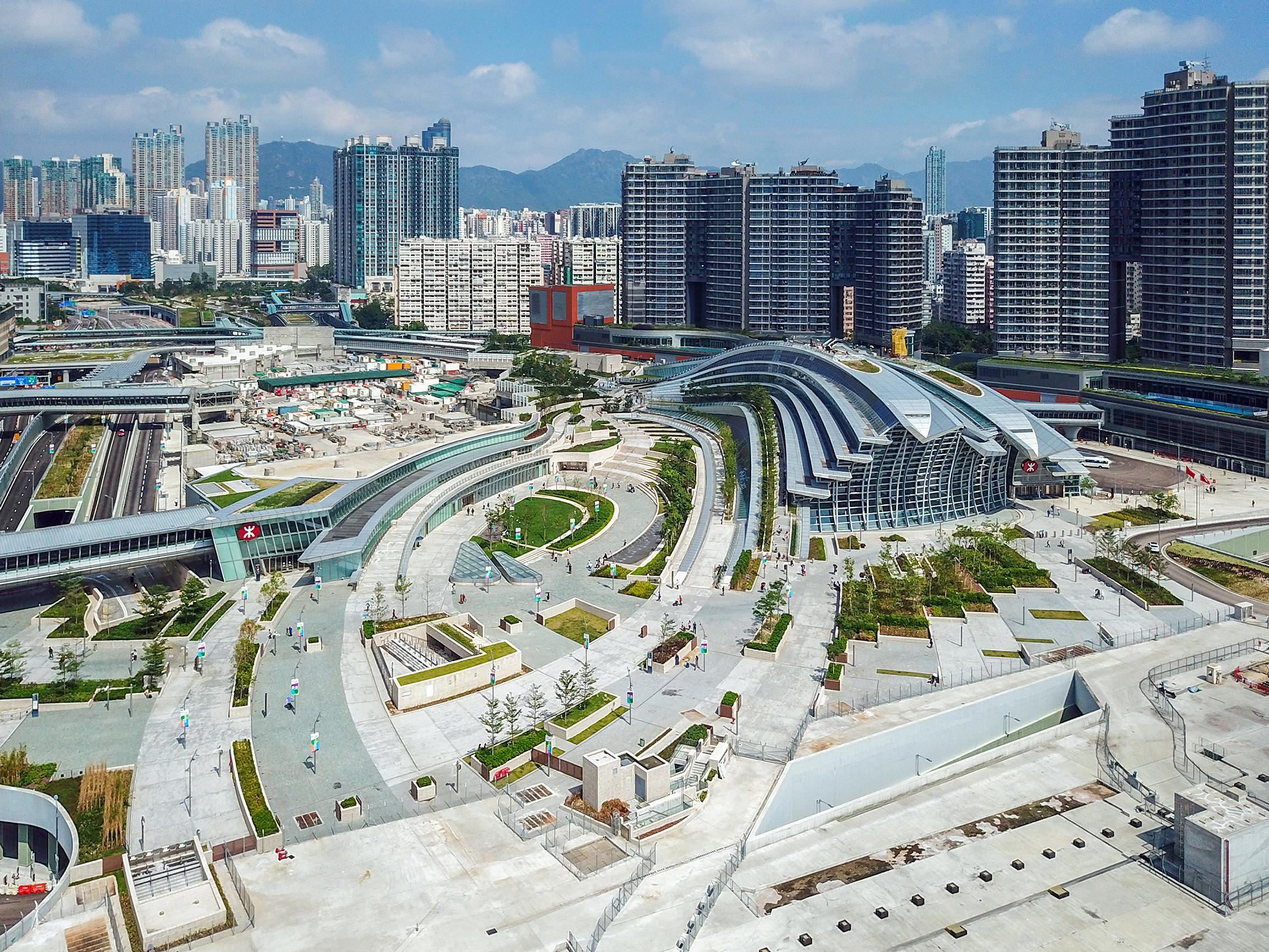 Hong Kong West Kowloon was constructed by MTR Corporation. Photo: Wpcpey