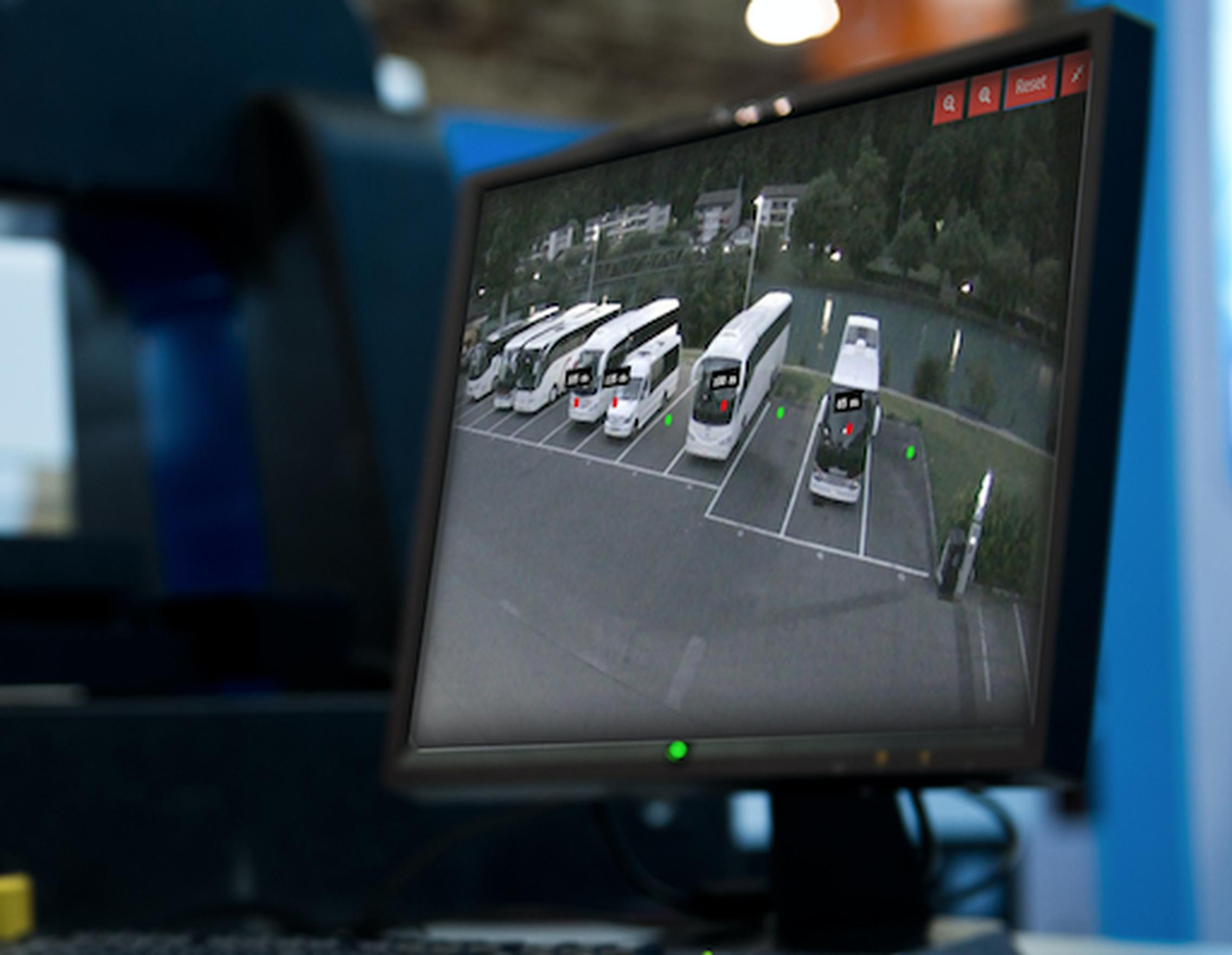 Detecting parking problems via the cloud