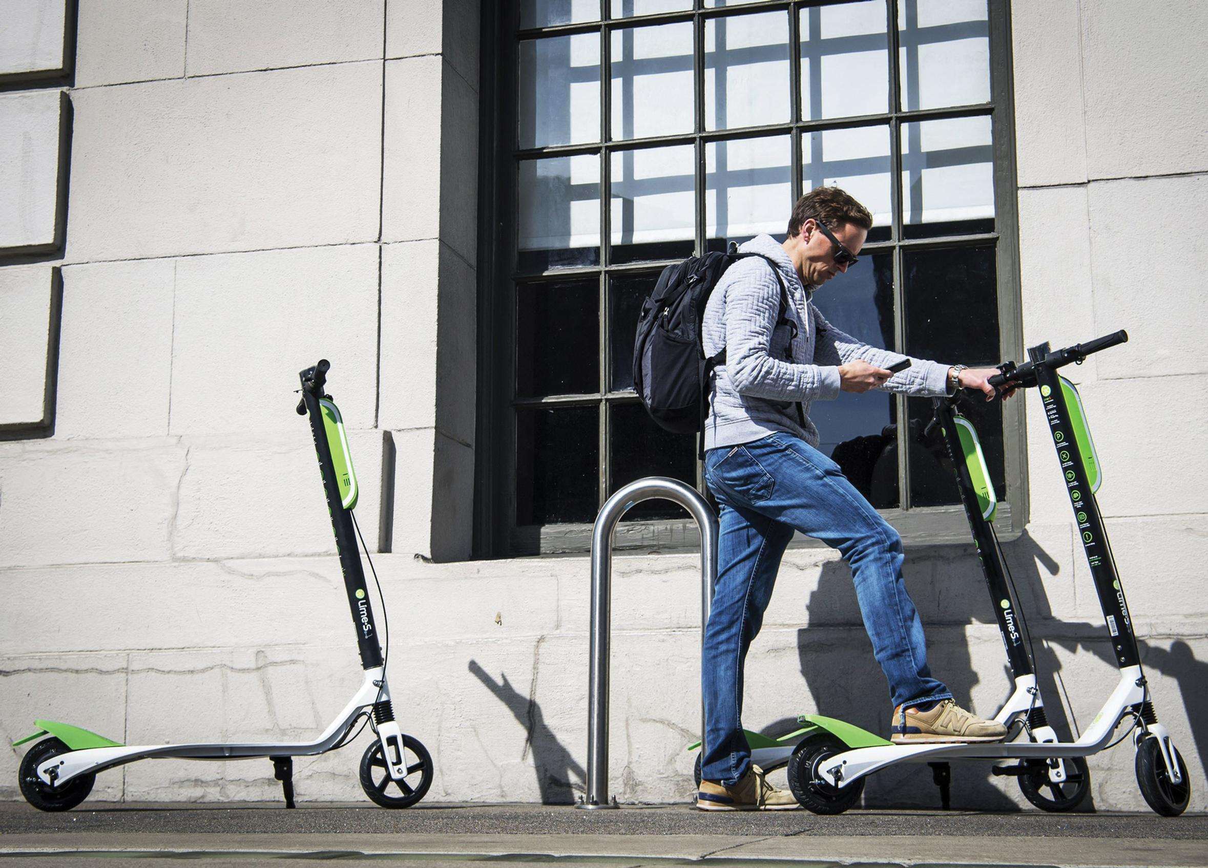 The design of streets may have to change to meet the needs of micromobility such as electric scooters, says the DfT