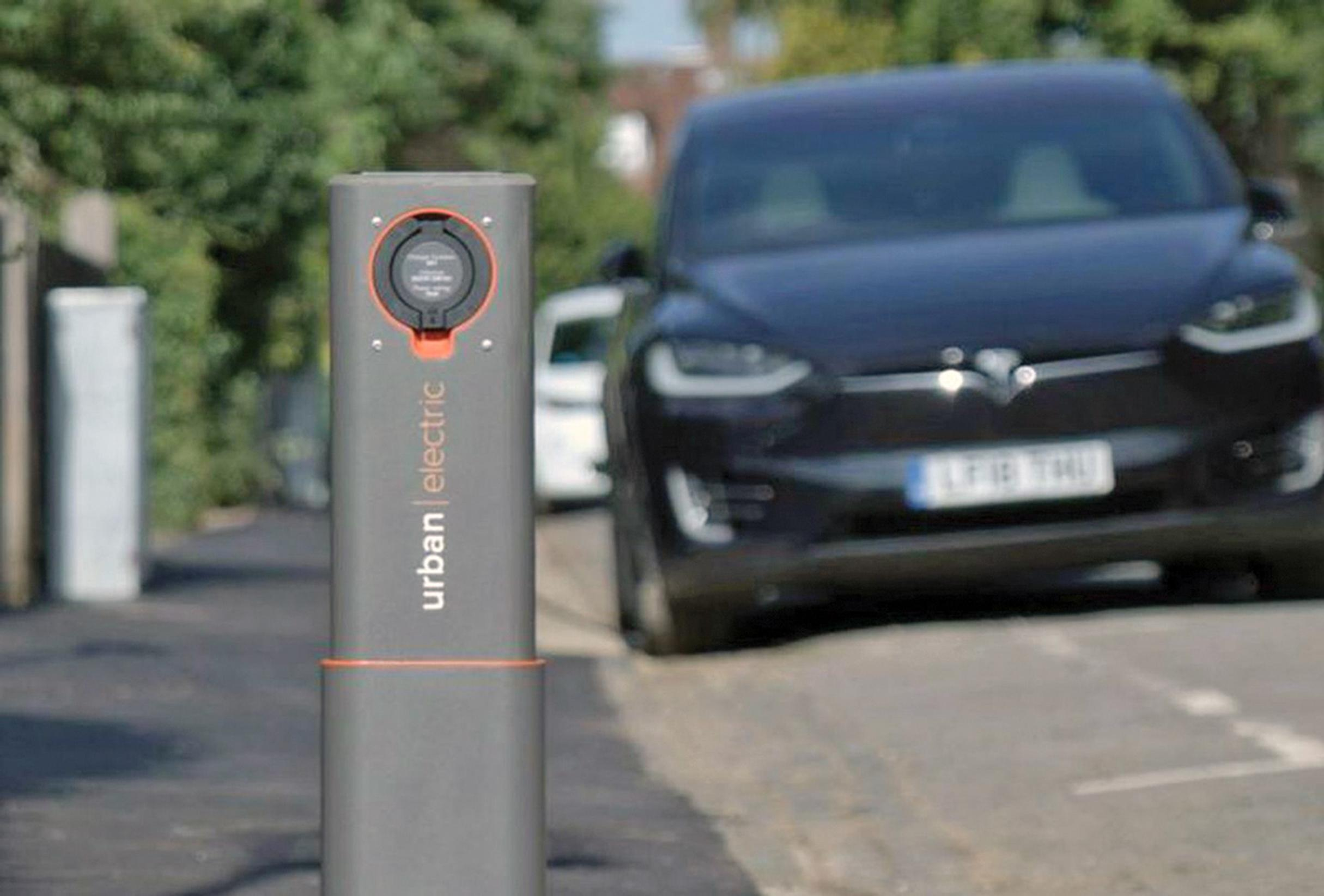Pop-up EV charging points trialled in Oxford