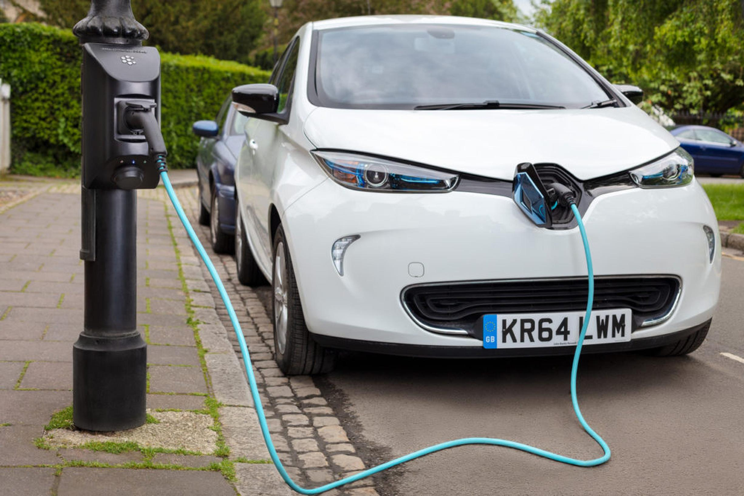 Government doubles funding for on-street electric car charging