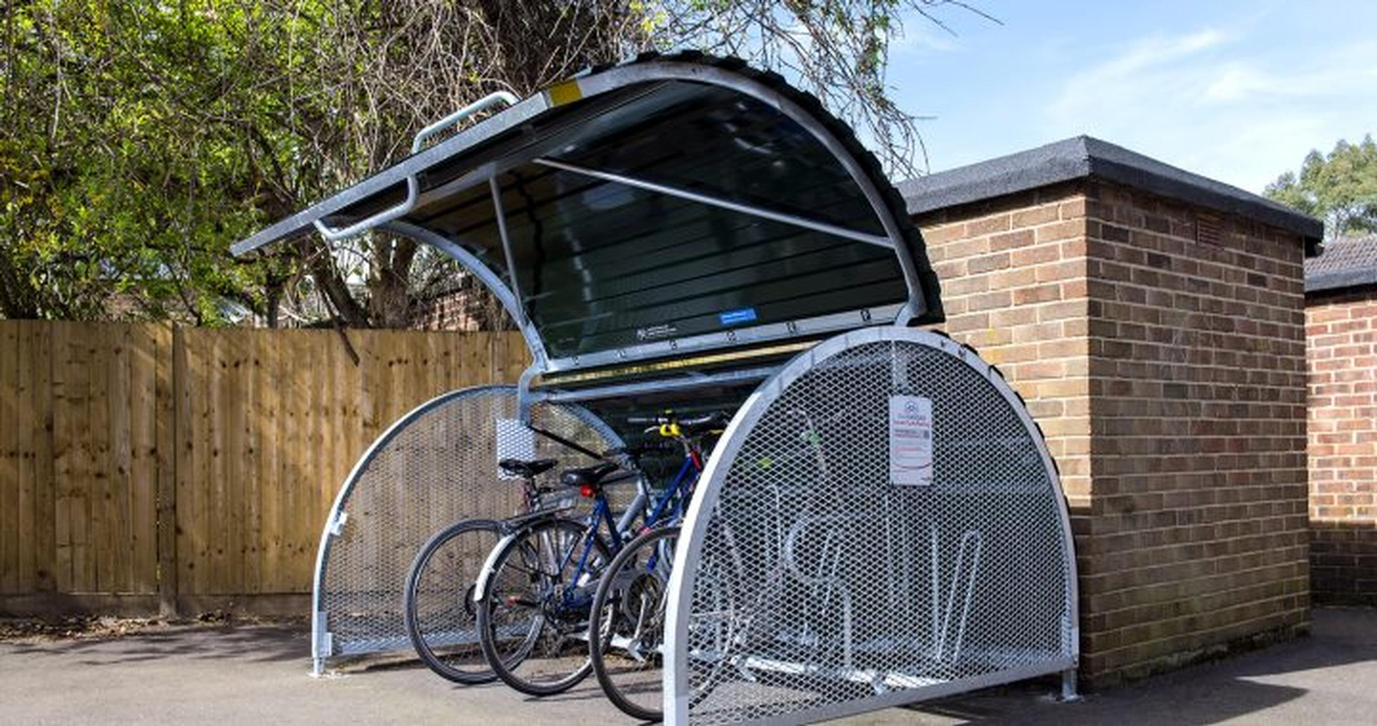 Secure bikehangar parking for Enfield