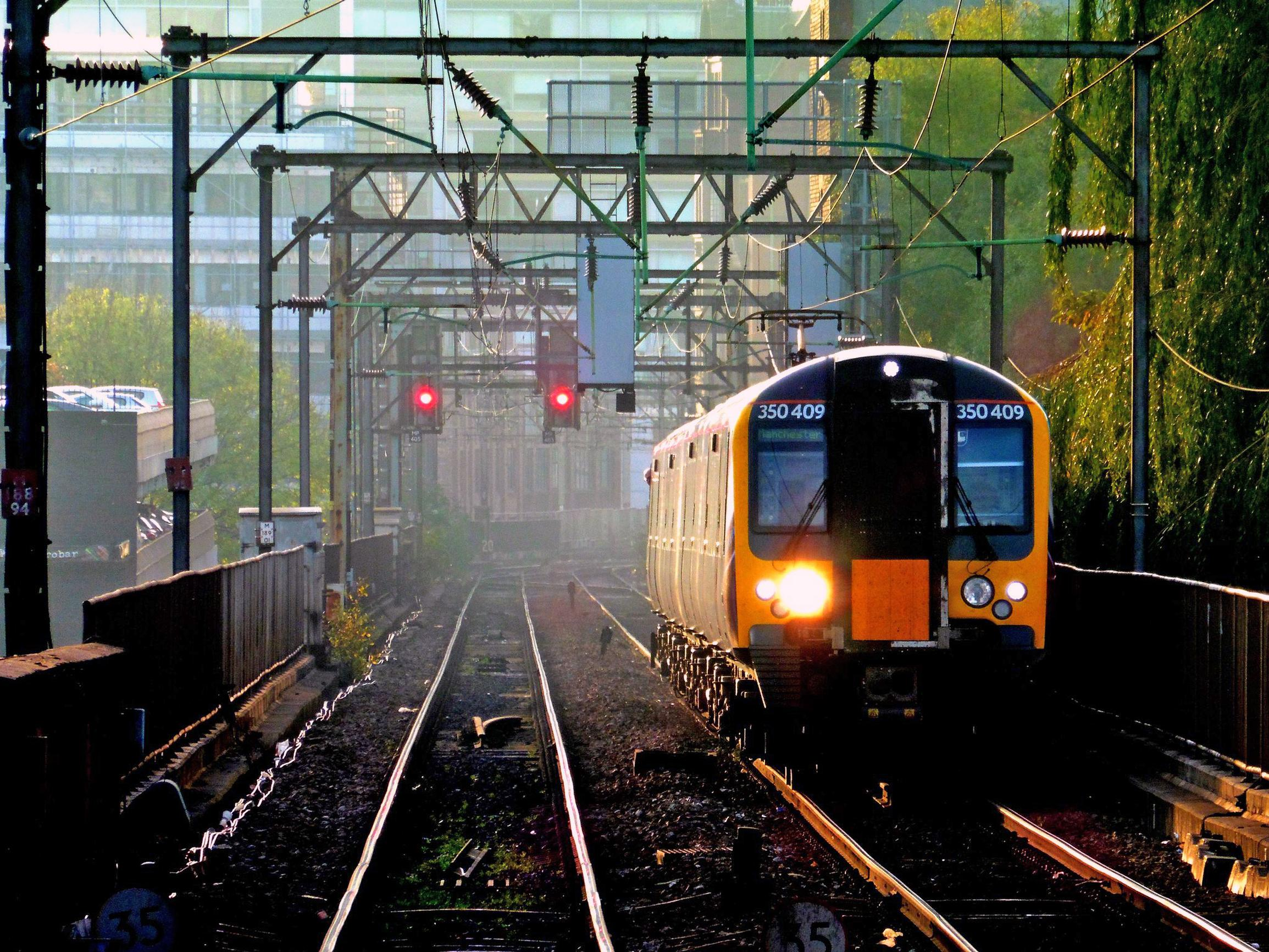 East-west rail tunnel touted to ease Gtr Manchester's rail capacity crunch