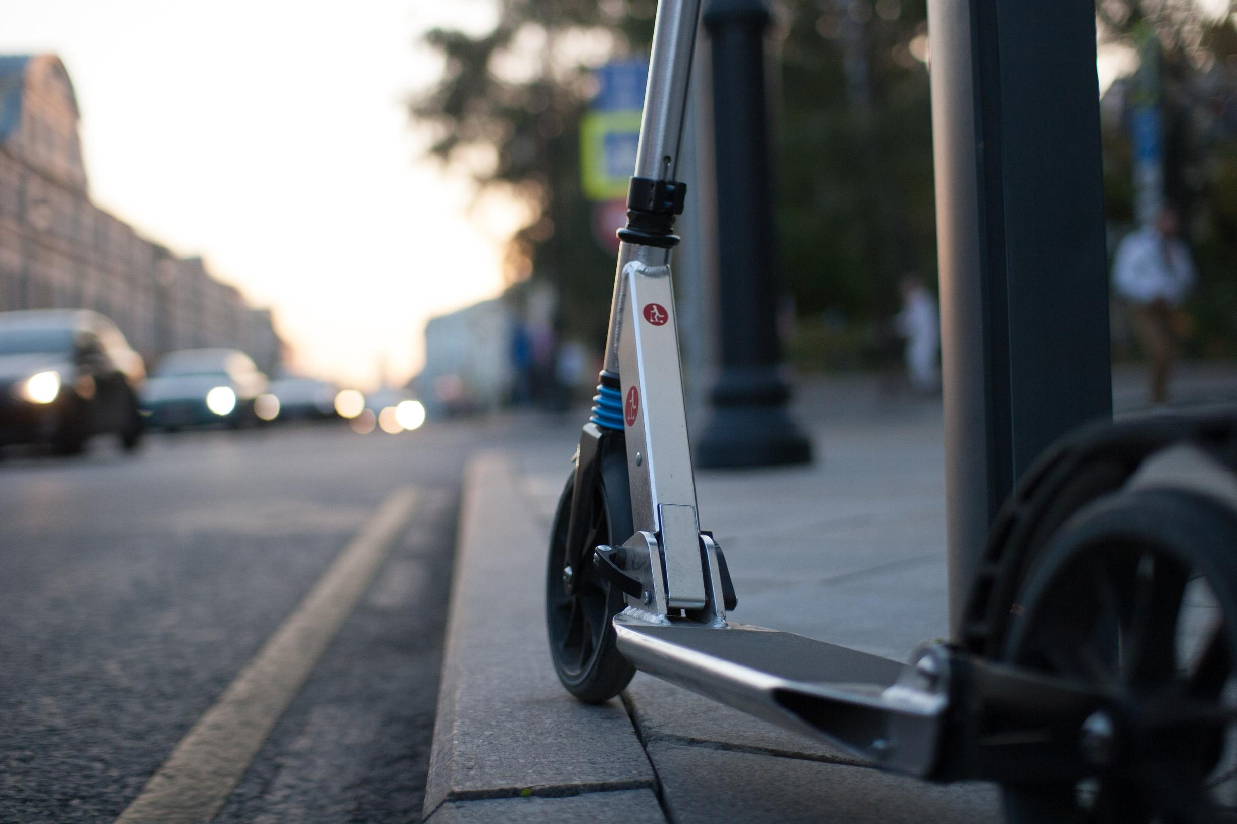 The committee calls for robust enforcement measures to eliminate pavement use of e-scooters (Unsplash)