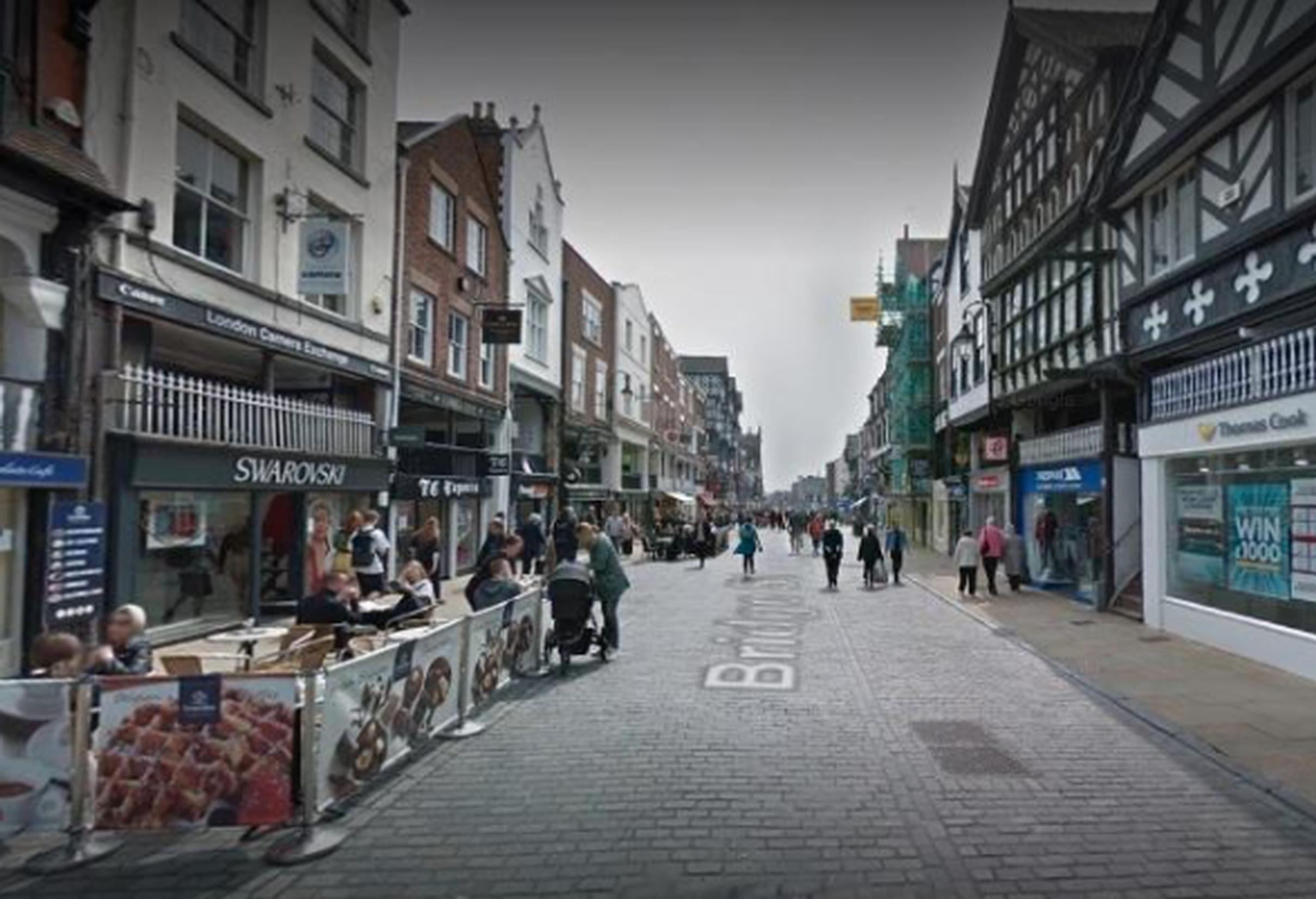 Al fresco licenses will remain free of charge for restaurants, cafes and bars in Chester city centre for the next 12 months