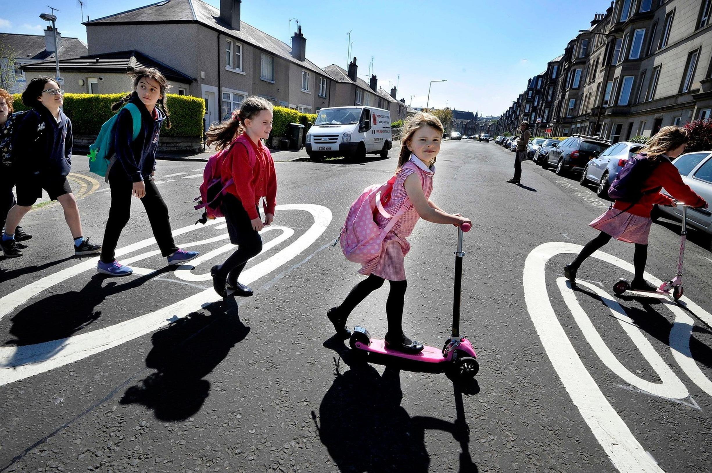 There are few obstacles to the rapid roll-out of School Streets, says Mums for Lungs report