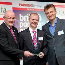 BPA technical director Kelvin Reynolds presents Mark Pawson of Q-Park with the trophy