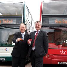 Stagecoach Oxford MD Martin Sutton (left) and Oxford Bus Company MD Philip Kirk (right)